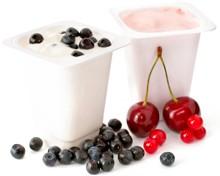 2-porciones-de-yogurt-y-algunas-moras