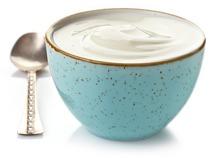yogurt-griego-en-tazón-azul